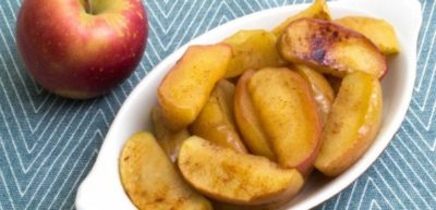 как запечь яблоки в духовке с сахаром