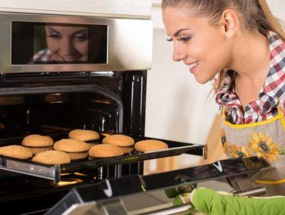 сколько печь печенье в духовке