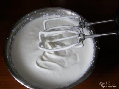 как взбить сливки 33 в крепкую пену