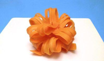 как сделать цветок из моркови