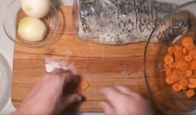 как приготовить сазана в духовке вкусно кусочками