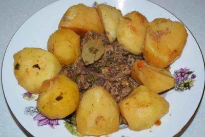 как приготовить крылышки с картошкой в духовке