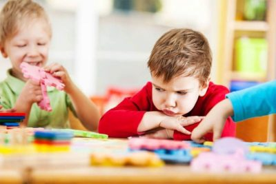 как вести себя в детском саду