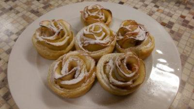 как приготовить булочки из слоеного теста