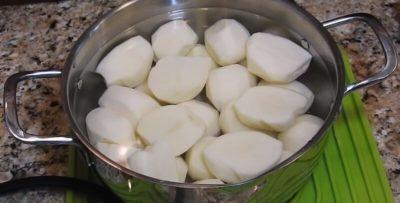 сколько запекается картошка в духовке дольками