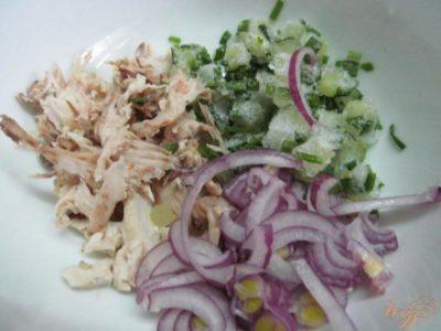 какой салат можно сделать из соленых огурцов